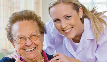 Jobs in der Altenpflege - competence & more